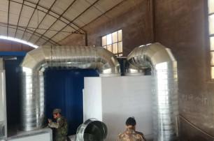 我公司生产的喷漆房废气处理设备正在安装中